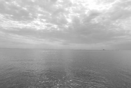 海(1)白黒