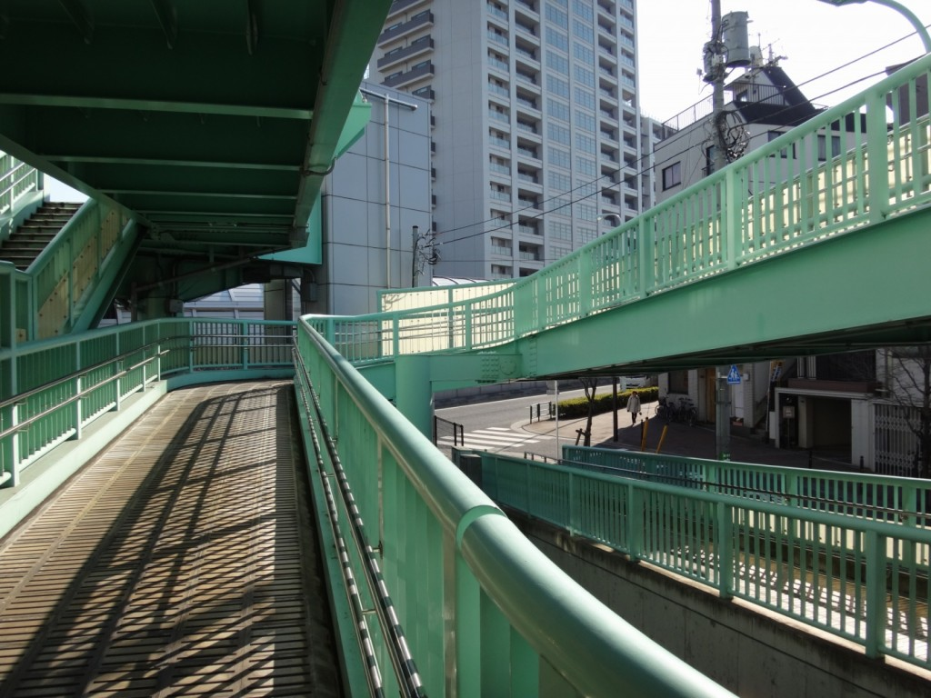 面白い歩道橋