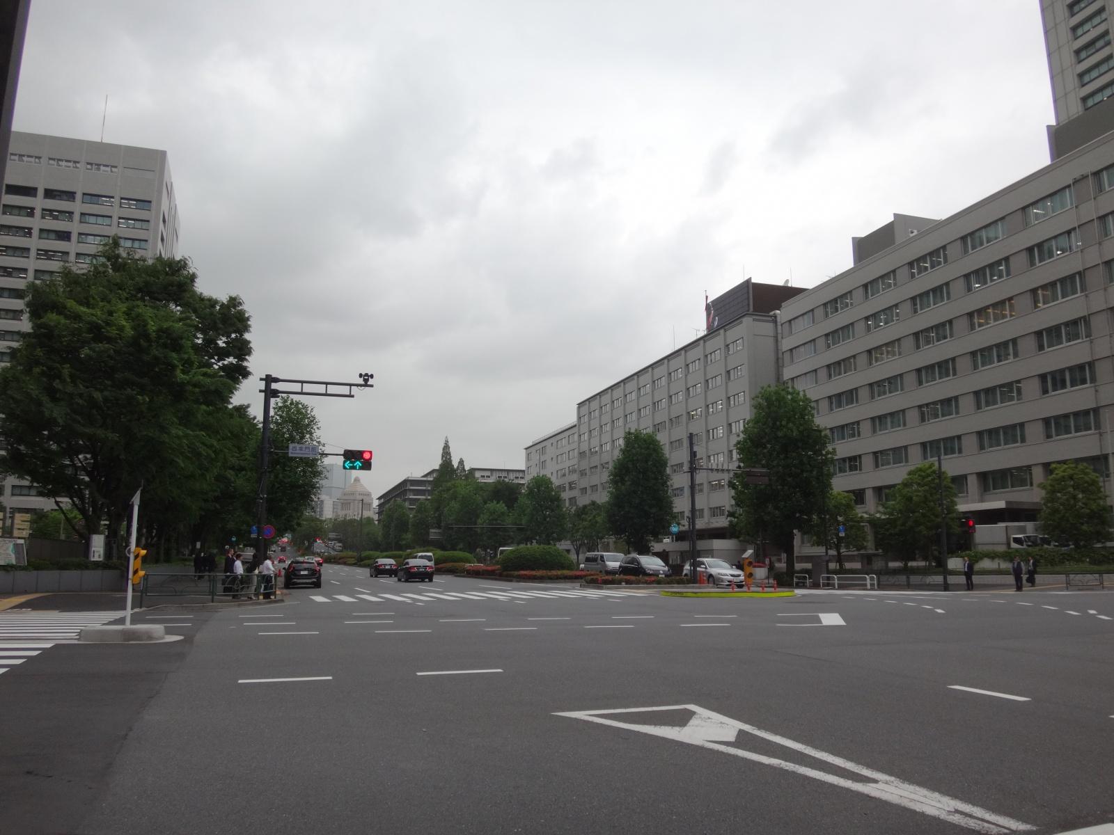 霞ヶ関から国会議事堂2